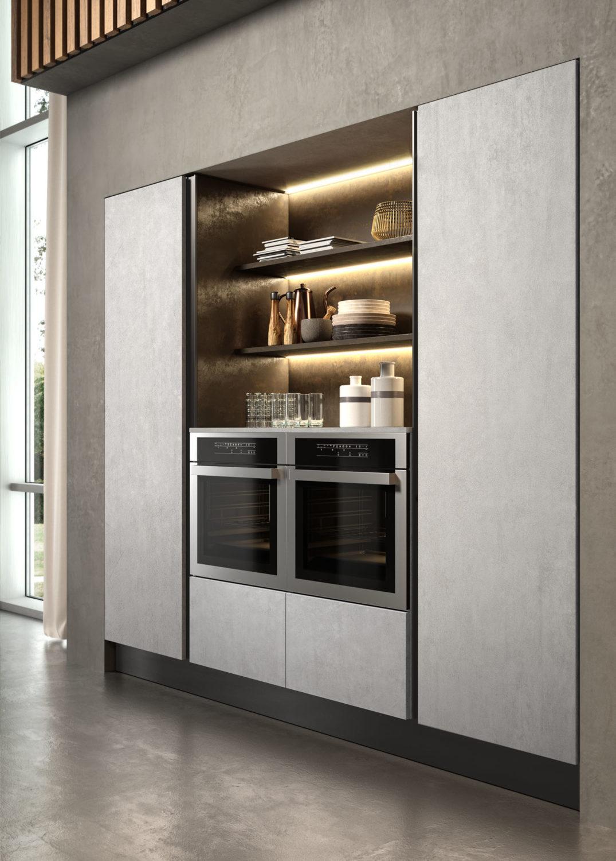 dettaglio di colonne di cucina moderna con doppio forno