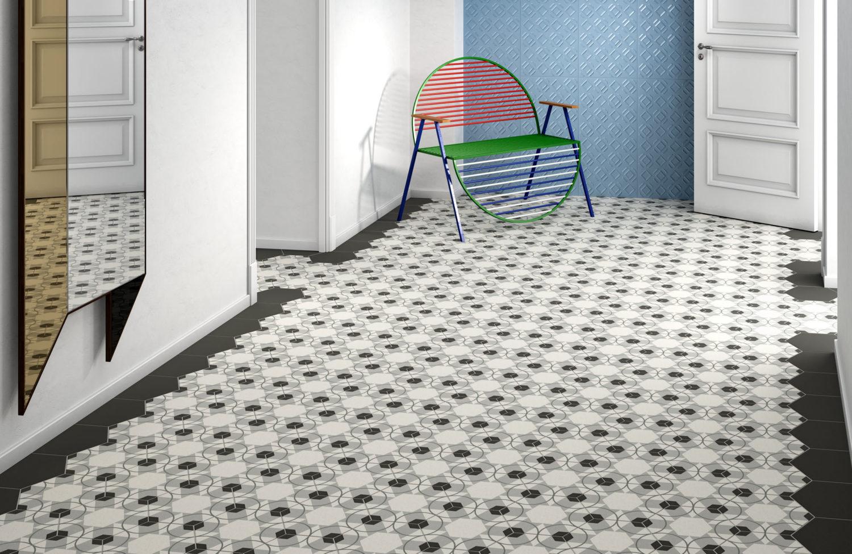 rendering di ingresso con pavimento di piastrelle esagonali decorative e sedia di design e porte aperte su altre stanze