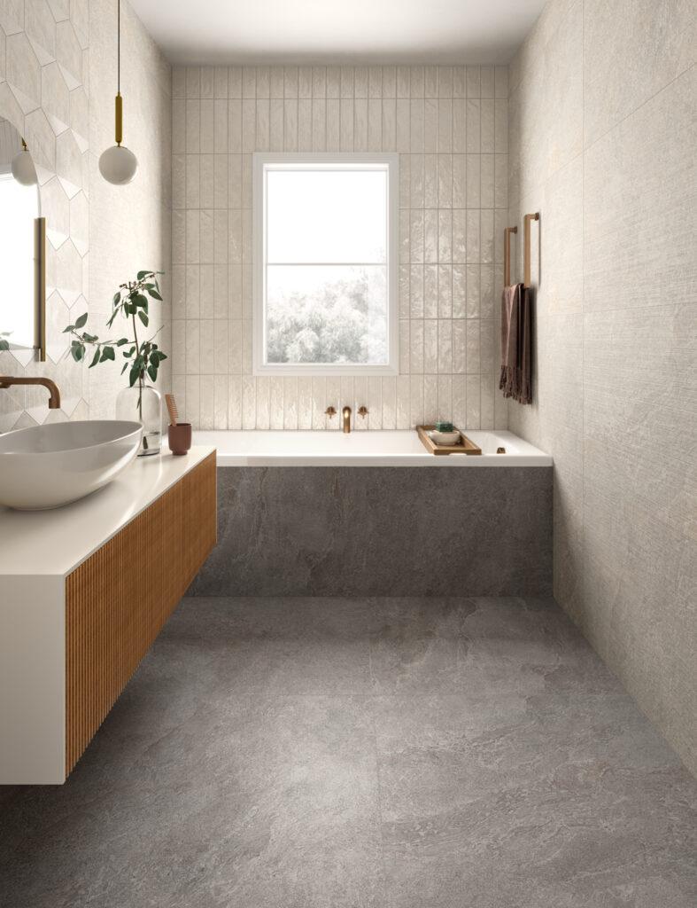 render di bagno con rivestimenti in ceramica effetto lucido e decorativo geometrico